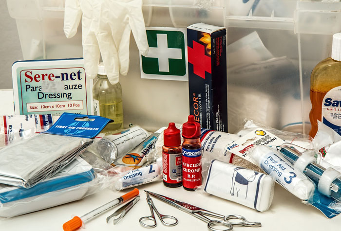 Medical assistant equipment and supplies on a table.